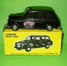 mikansue budgie 101 london taxi cab boxed