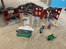 brio countryside horse stable set