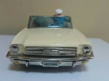 alps ford mustang auto doggie driver dog