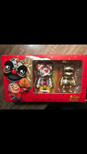 qee chinese new year 2007 gold set
