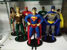 superman dc deluxe justice league 13 inch