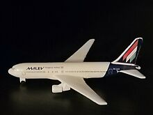 schabak boeing 767 malev hungarian airlines