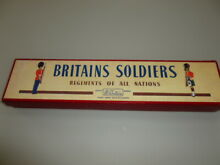 lead soldiers toy soldiers britains lead