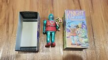 wind up tin knight robot toy by