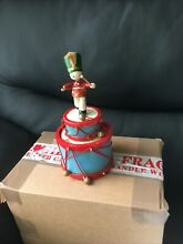automaton wooden toy 17cm plays somewhere my