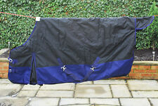 Medium Weight Turnout Outdoor Horse Rug Various sizes and colours