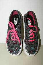 VANS Girls Sneakers Youth Size 11 Authentic NEW w/Box Heart Leopard 113791371