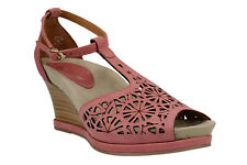 Earthies Casella Pale Pink Leather Womens T-Strap Open Toe Wedge Sandal