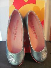 AGATHA RUIZ DE LA PRADA SILVER W/ STARS FLAT CASUAL SHOES NEW IN ORIGINAL BOX