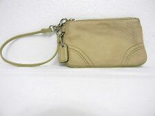 Very Cute Coach Leather Purse Small Wristlet Lined Leather Strap