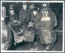 CT PHOTO aod-332 Chicago Fire Department CFD Injured Firefighter