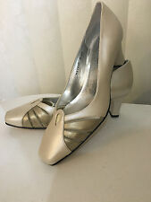 Ros Hommerson August Black/Bone Pearl  Leather Classic Heel Shoes Size 6.5-9.5 W