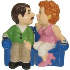 Westland Giftware Mwah Magnetic Couch Couple Salt and Pepper Shaker Set, 9.5cm.