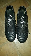 Sondico football boots. Size 7.5. Excellent condition.