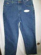 NWT WOMANS LEE RELAXED FIT STRAIGHT LEG STETCH JEANS SIZE  6 Petite