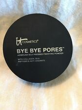 IT COSMETICS Bye Bye Pores Airbrushed Pressed Powder  Translucent 0.31 Swatched