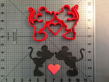 Mickey & Minnie Kiss Cookie Cutter