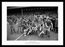 Liverpool FC 1974 FA Cup Final Team Celebrations Photo Memorabilia (181)