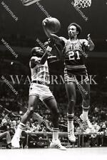 MD154 Dave Bing Pistons Game Action Basketball 8x10 11x14 16x20 Photo