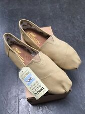 BRAND NEW BOXED TOMS SIZE 8