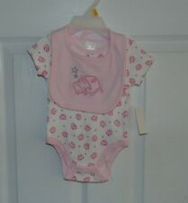 New little playmates girl 2 piece set sizes 0/3Mos and 3/6Mos  bodysuit & bib
