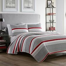 Beautiful Nautical Anchore Striped Red 3-PC Reversible Quilt Set King Full/Queen
