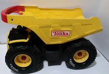 Hasbro Tonka 2004 Dump Truck w/Red Handle Extra Large 2004 excellent condition