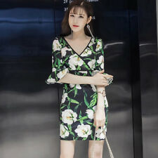 Women's Deep V-Neck 3/4 Bell Sleeve Floral Printed Above Knee Mini Tunic Dress