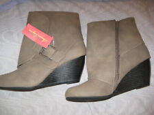 "AMERICAN RAG TAUPE FAUX SUEDE ""ACOREENE"" WEDGE ANKLE BOOTS SZ 8 ½M, NEW, 40% OFF"