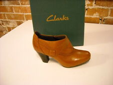 Clarks Ruby Edge Tan Cognac Leather Button Shoes