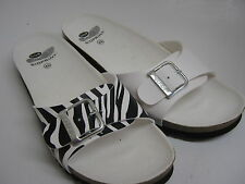 MENS SCHOLLS BY Dr SCHOLL IN WHITE OR WHITE/BLACK ZEBRA   AKUMAL