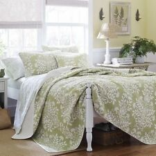 NEW Twin Full Queen King Bed Sage Green White Floral 3 pc Quilt Coverlet Set NWT