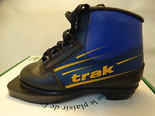 New Trak Junior Kids  Size 28-35  cross country  3 Pin ski boots Made In Canada