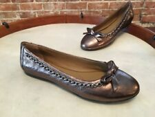 B Makowsky Tori Pewter Leather Chain Detail Ballet Flats New