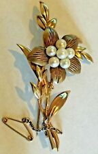 9ct hallmarked old gold brooch with seeds or pearls - 6.1 gr - perfect condition