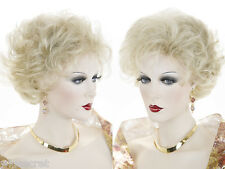 Short Soft Layered Wavy Wigs 32 Colors Classic Glamorous Style