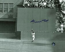 Giants Willie Mays Signed Authentic 8X10 The Catch Photo W/ Say Hey Hologram