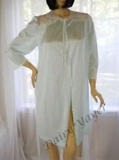 VTG sz  M to L LORRAINE light Sea Foam Green lace NYLON PEIGNOIR robe #149
