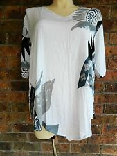 BNWT V Bottom Tunic Top – White Pattern - Curve Culture - Sizes 20,22,24,26, 28