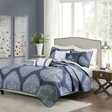 Beautiful Navy Blue & White Reversible Coverlet Bedding AND 3 Pillows