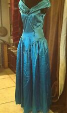 Ladies Emerald Green Party Dress  or Period Re-enactment