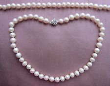 White South Sea Akoya Cultured Pearl Necklace. 9/10 mm or 8/9 mm.