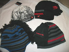 * NWT NEW BOYS TONY HAWK Reversible Beanie KNIT HAT AND GLOVES SET