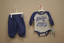TORONTO MAPLE LEAFS (OLD) NHL HOCKEY LOGO SET:JUMPER & PANTS..SIZE: 3-6 M.,6-9 M