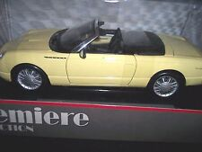 MAISTO PREMIERE COLLECTION 1/18 SCALE METAL DIE CAST MODEL 2012 FORD THUNDERBIRD