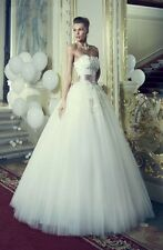 Beautiful Tulle Flower Red Ribbons Decorated White Sweetheart Wedding Dresses