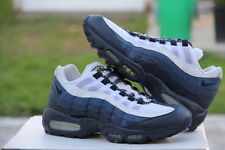 2009 Nike Air Max 95 White/Dark Obsidian/Midnight Navy U.S. 10.5 - (609048-166)