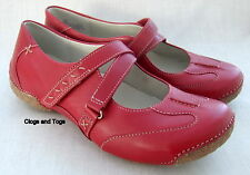 NEW CLARKS FUNKY CHIME CHERRY RED LEATHER SHOES