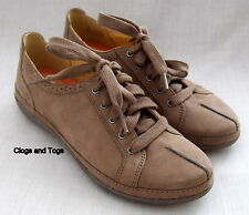 NEW CLARKS UNSTRUCTURED LIGHT BROWN NUBUCK LEATHER SHOES SIZE 4 / 37