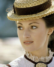 JANE SEYMOUR CLOSE UP FACE SHOT STRAW HAT HIGH COLLAR LOOKING RIGHT PHOTO OR POS